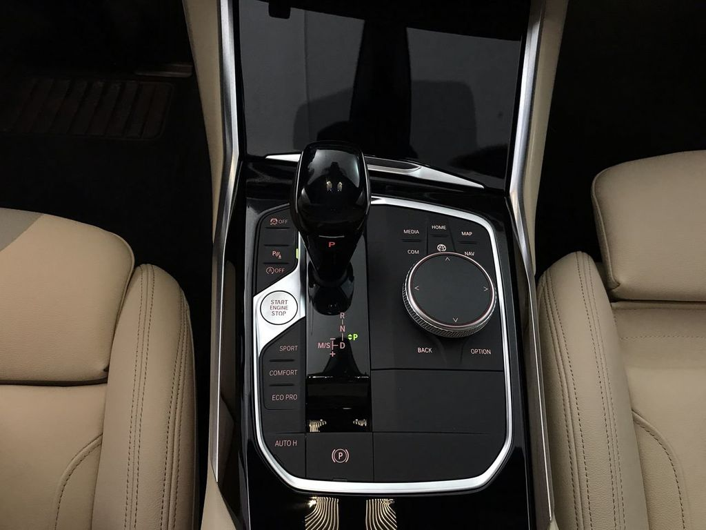 2019 BMW 3 Series 330i - 18761554 - 38