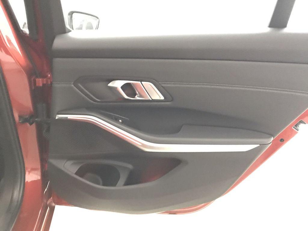 2019 BMW 3 Series 330i - 18813235 - 24
