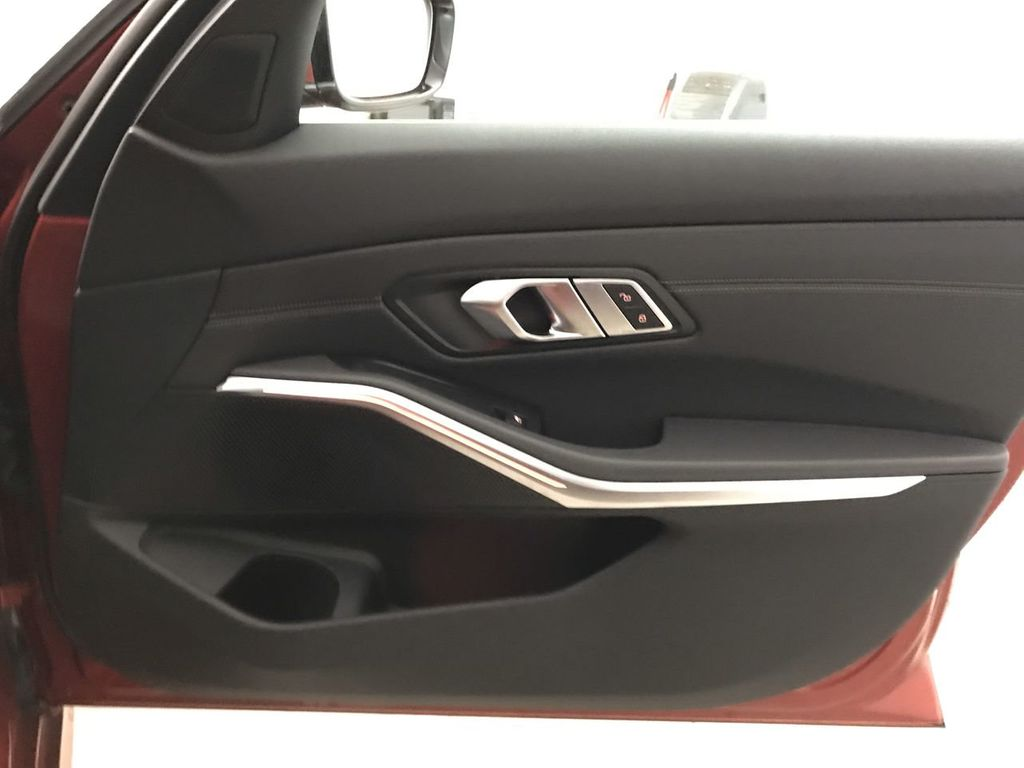 2019 BMW 3 Series 330i - 18813235 - 27