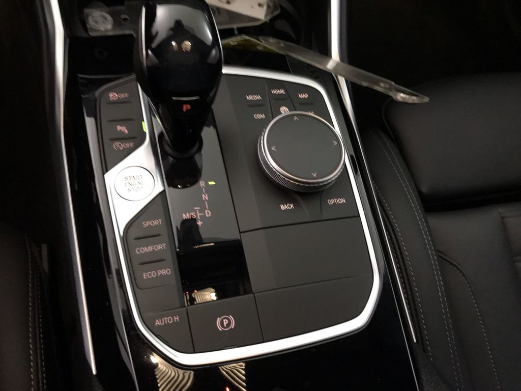 2019 BMW 3 Series 330i - 18813235 - 35