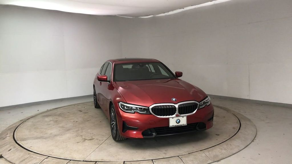 2019 BMW 3 Series 330i - 18813235 - 3