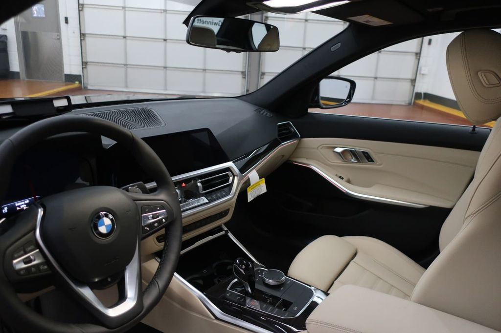 2019 BMW 3 Series 330i - 18706189 - 17