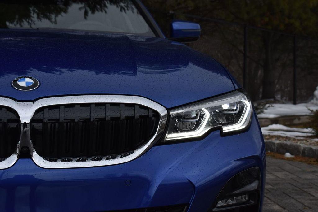 2019 BMW 3 series 330i xDrive - 18610026 - 9