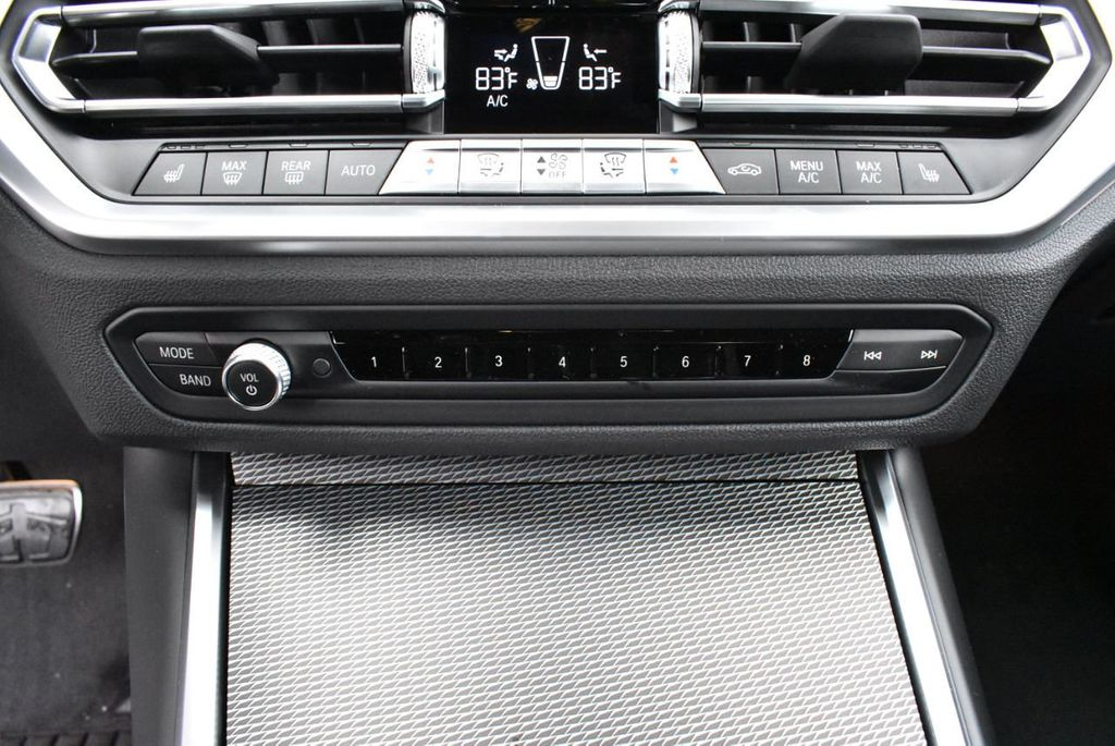 2019 BMW 3 series 330i xDrive - 18610026 - 25