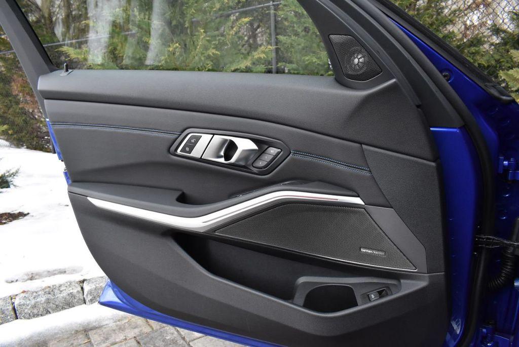2019 BMW 3 series 330i xDrive - 18610026 - 29