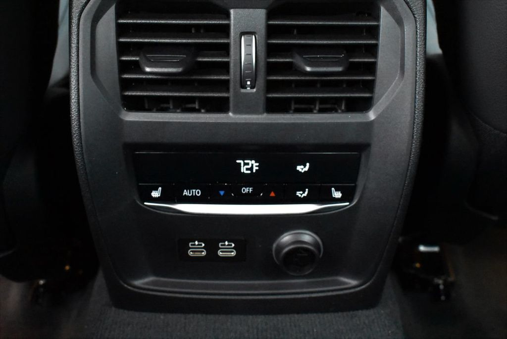 2019 BMW 3 series 330i xDrive - 18610026 - 34