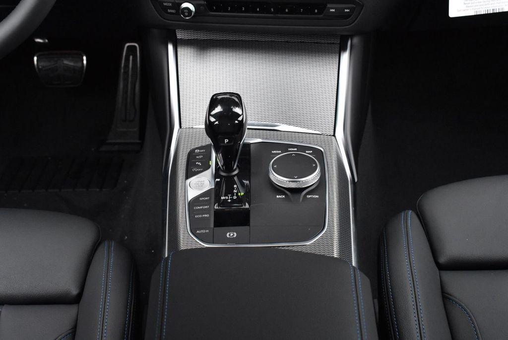 2019 BMW 3 series 330i xDrive - 18610026 - 41