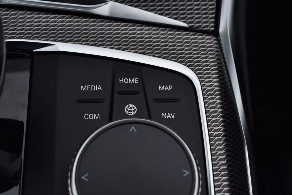 2019 BMW 3 series 330i xDrive - 18610026 - 53