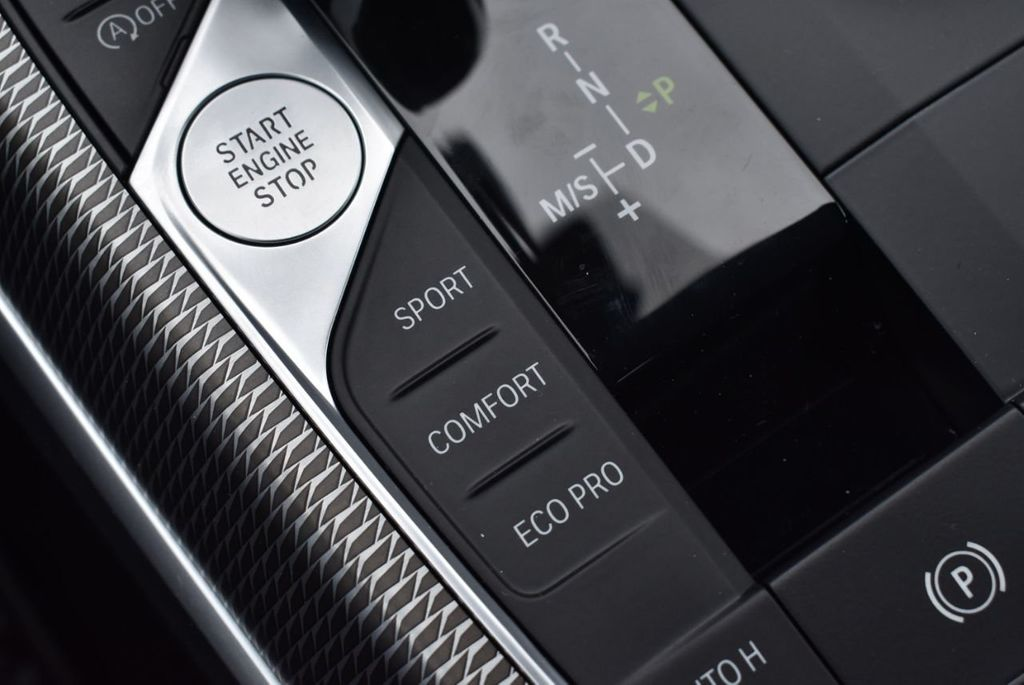 2019 BMW 3 series 330i xDrive - 18610026 - 54