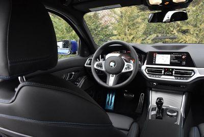 2019 BMW 3 series 330i xDrive Sedan - Click to see full-size photo viewer