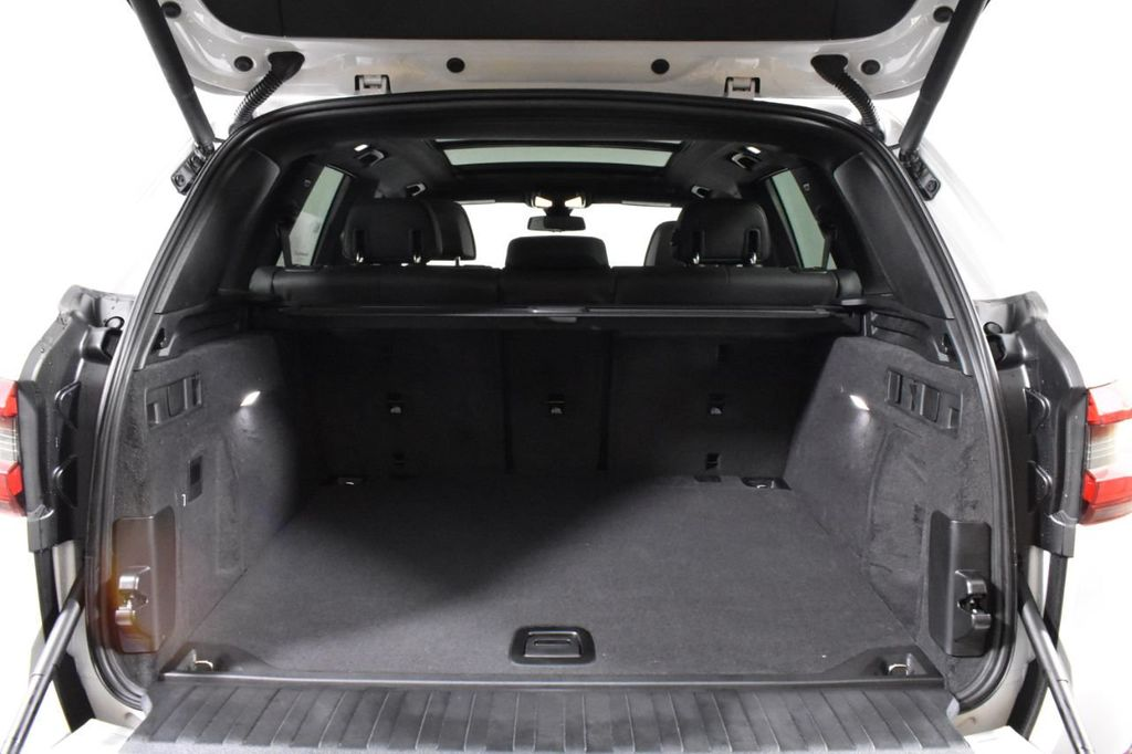 2019 BMW X5 xDrive50i Sports Activity Vehicle - 18644961 - 52