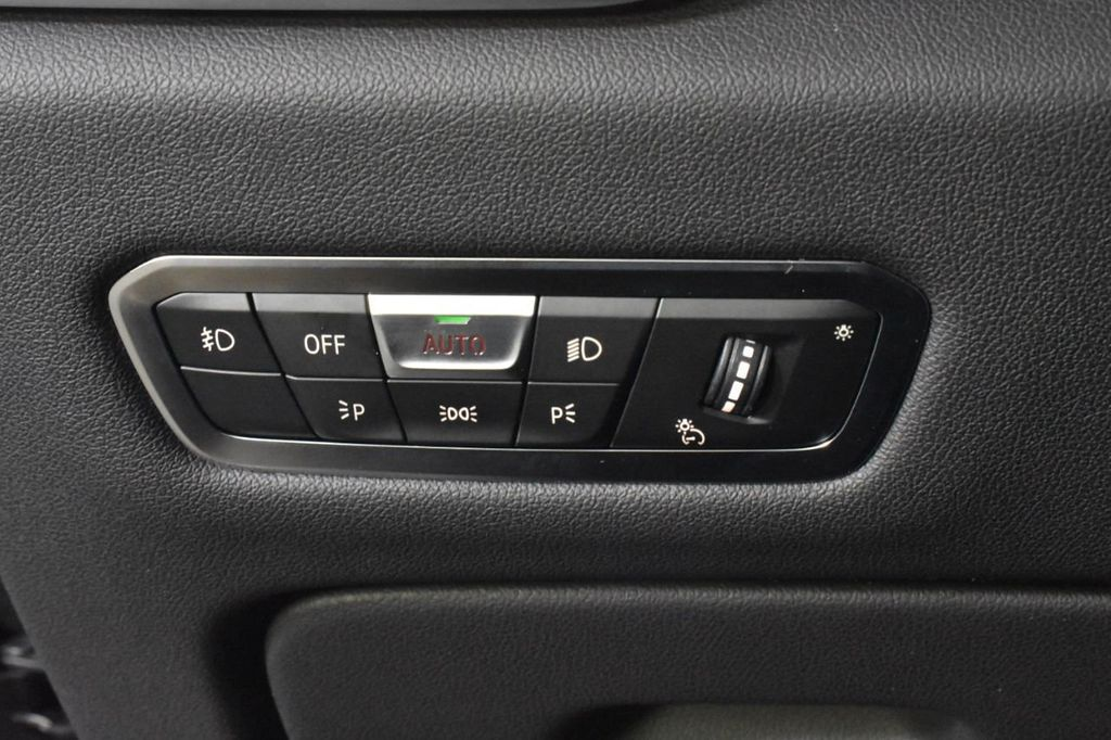 2019 BMW X5 xDrive50i Sports Activity Vehicle - 18644966 - 17