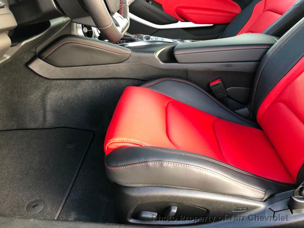 2019 Chevrolet Camaro 2dr Convertible LT w/3LT - 18503497 - 4
