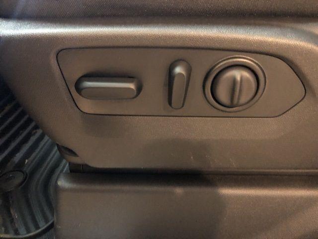 2019 Chevrolet Silverado 1500 LT - 18433481 - 10
