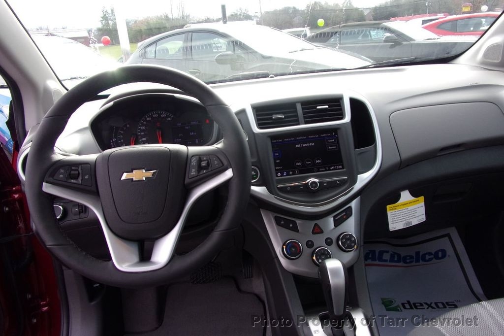 2019 Chevrolet Sonic 4dr Sedan Automatic LT - 18309348 - 8