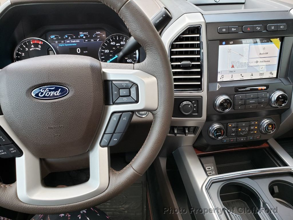 2019 Ford Super Duty F-350 DRW King Ranch 4WD Crew Cab 8' Box - 19331728 - 33