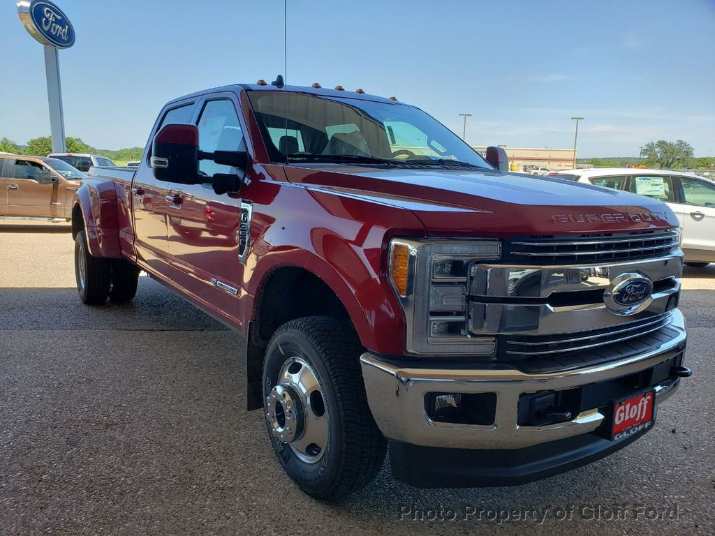 2019 Ford Super Duty F-350 DRW LARIAT 4WD SuperCab 8' Box - 19157204 - 3