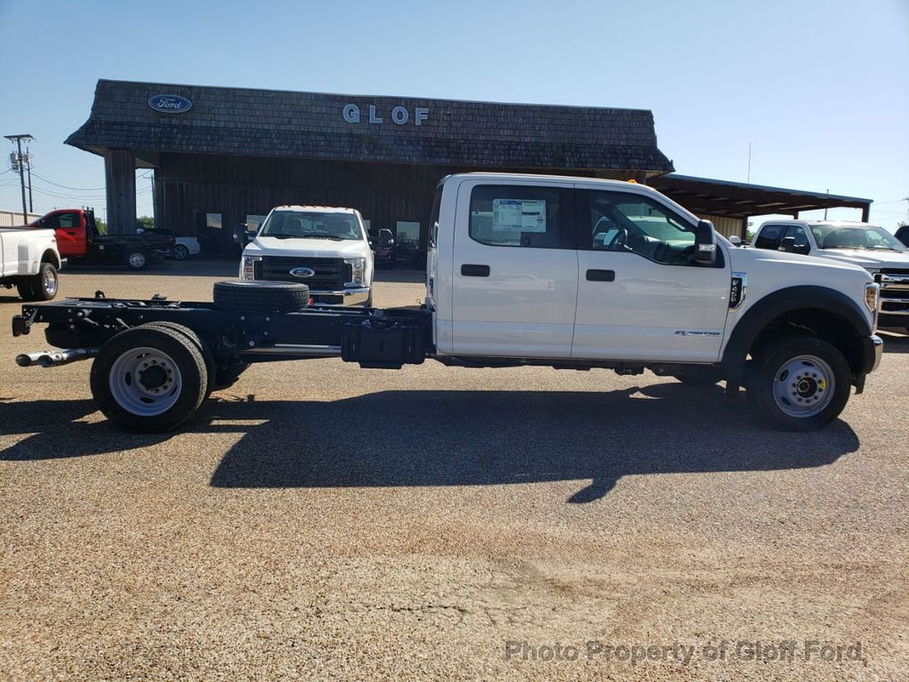 "2019 Ford Super Duty F-450 DRW Cab-Chassis XL 4WD Crew Cab 203"" WB 84"" CA - 18858565 - 3"