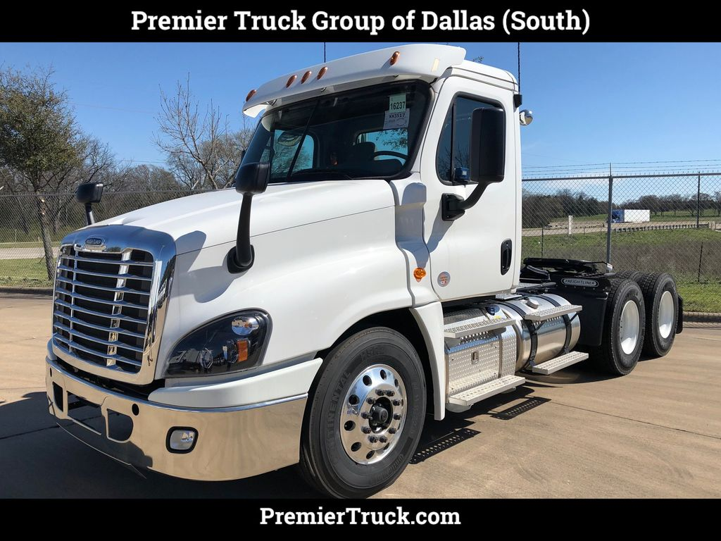 2019 New Freightliner Cascadia at Premier Truck Group Serving U S A &  Canada, TX, IID 19169844