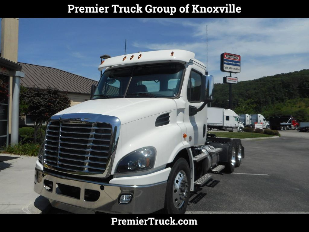 2019 New Freightliner Cascadia CA113DC for Sale in Knoxville, TN