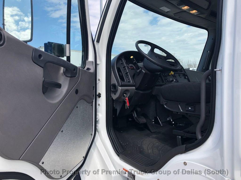 2019 Freightliner M2106  - 18733409 - 10