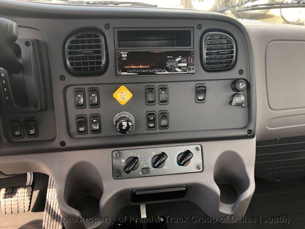 2019 Freightliner M2106  - 18733409 - 16