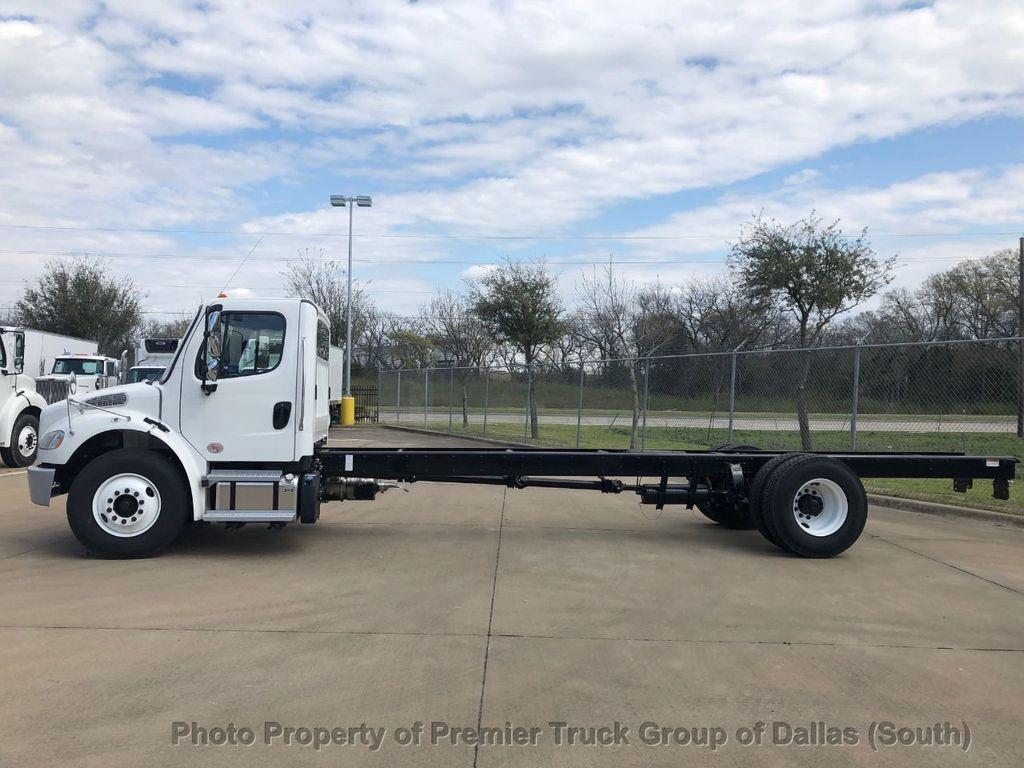 2019 Freightliner M2106  - 18733409 - 1
