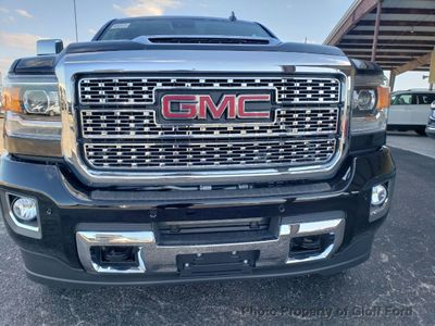"2019 GMC Sierra 2500HD 4WD Crew Cab 153.7"" Denali - Click to see full-size photo viewer"