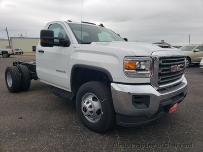 "2019 GMC Sierra 3500HD Cab-Chassis 4WD Reg Cab 137.5"" WB, 59.06"" CA - Click to see full-size photo viewer"
