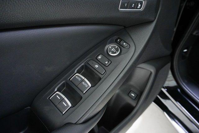 2019 Honda Accord Hybrid Touring Sedan - 18633287 - 24