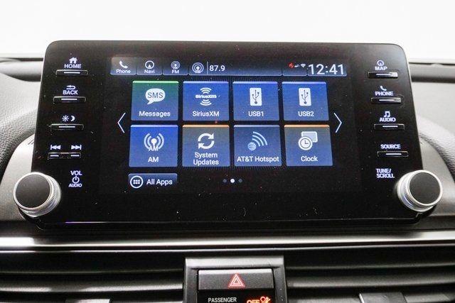 2019 Honda Accord Hybrid Touring Sedan - 18633287 - 40