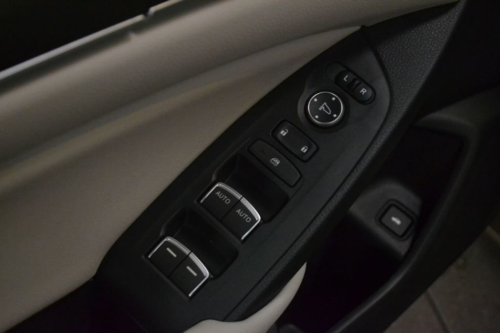 2019 Honda Accord Sedan LX 1.5T CVT - 18389248 - 13