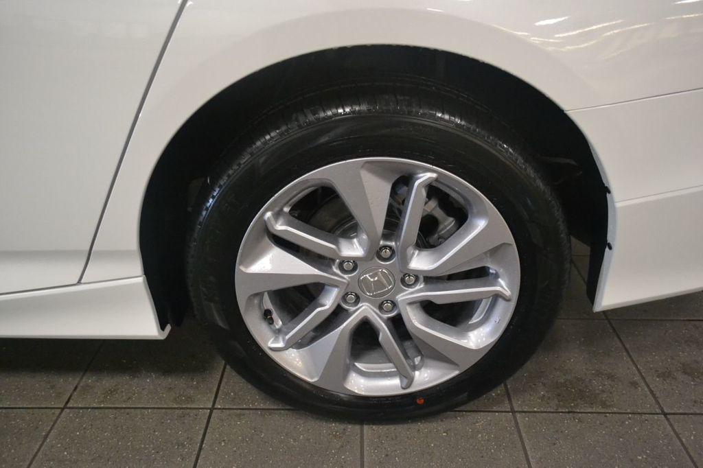 2019 Honda Accord Sedan LX 1.5T CVT - 18744693 - 9