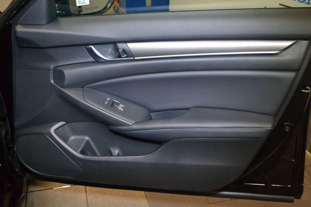 2019 Honda Accord Sedan LX 1.5T CVT - 18744693 - 26