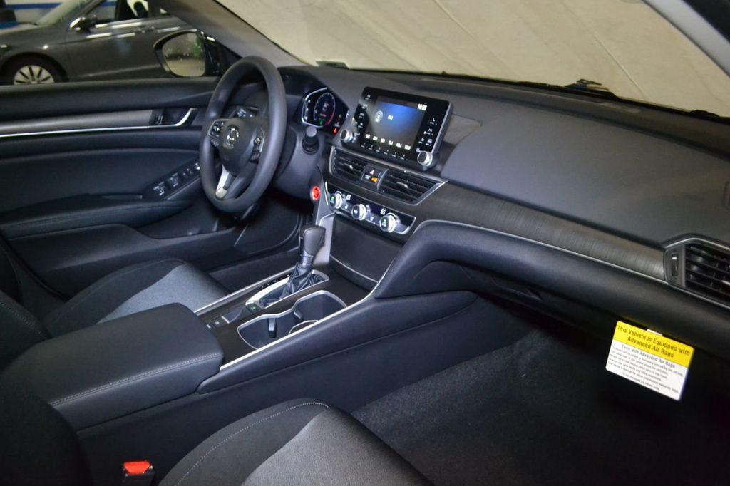 2019 Honda Accord Sedan LX 1.5T CVT - 18744693 - 27