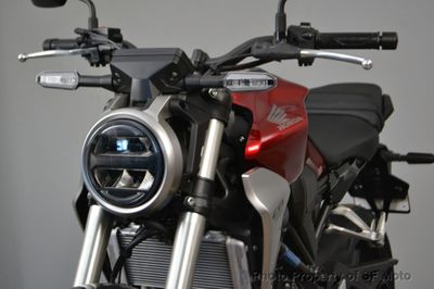 2019 Honda CB300R ABS version - Click to see full-size photo viewer