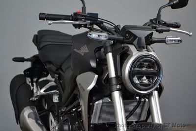New 2019 Honda CB300R Gray in stock!
