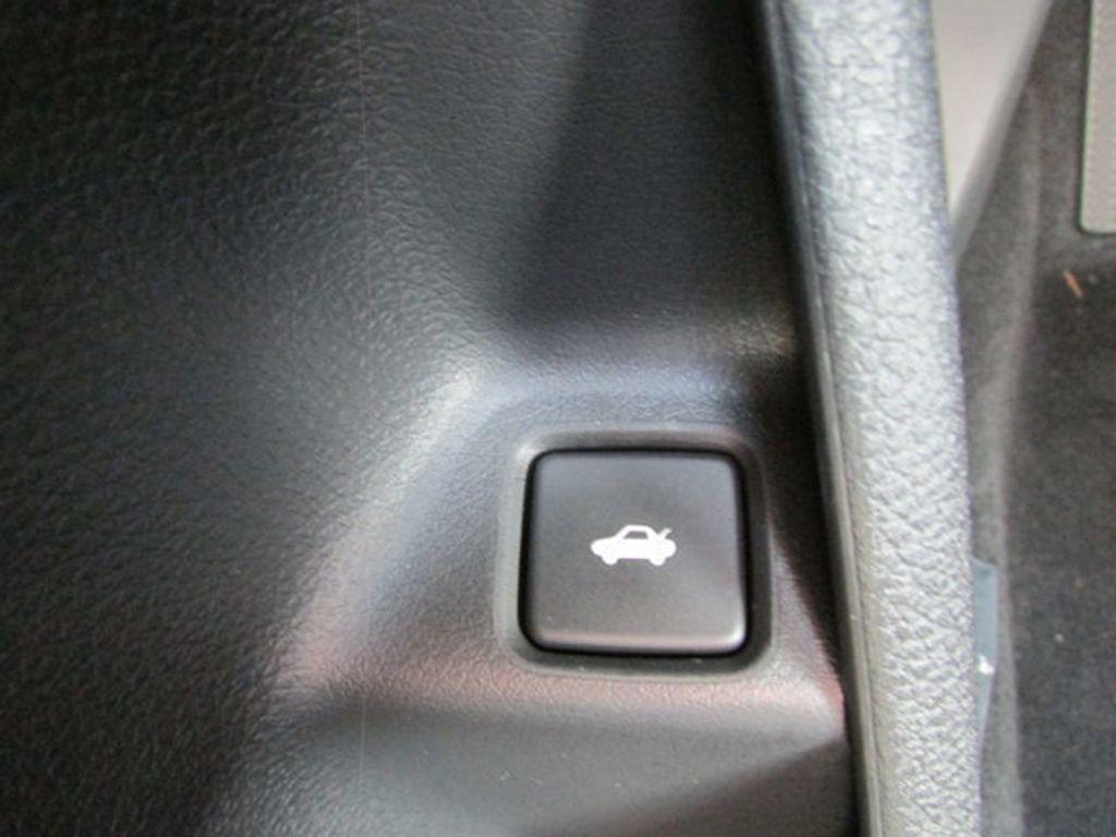 2019 Honda Civic Sedan Touring CVT - 18780253 - 19