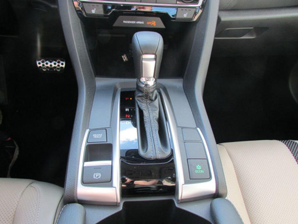 2019 Honda Civic Sedan Touring CVT - 18780253 - 26