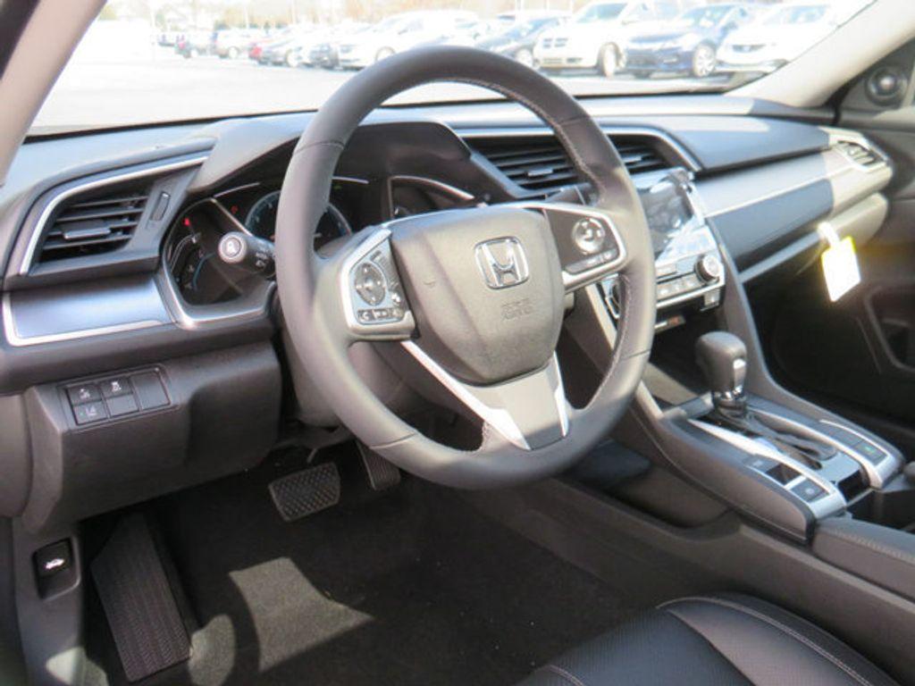 2019 Honda Civic Sedan Touring CVT - 18780253 - 33
