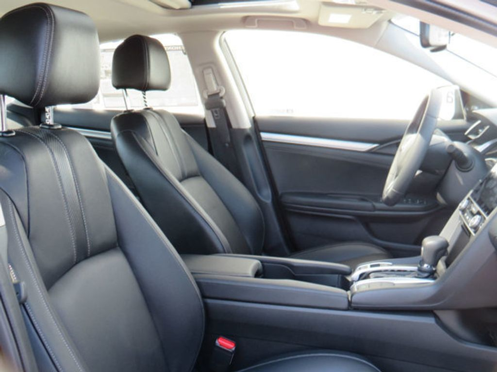2019 Honda Civic Sedan Touring CVT - 18780253 - 35