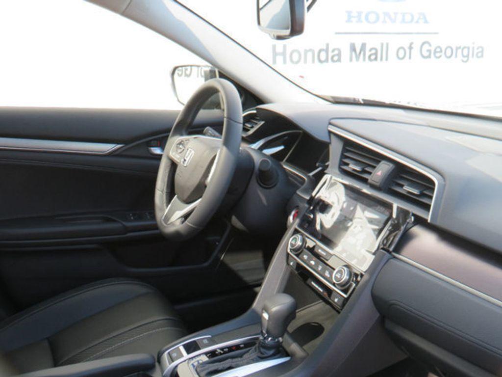2019 Honda Civic Sedan Touring CVT - 18780253 - 38