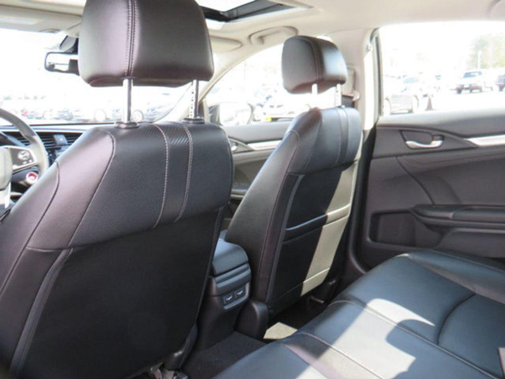 2019 Honda Civic Sedan Touring CVT - 18780253 - 40