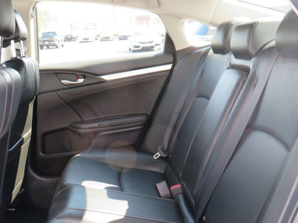 2019 Honda Civic Sedan Touring CVT - 18780253 - 41
