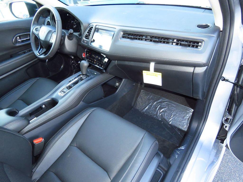 2019 Honda HR-V Touring AWD CVT - 18782665 - 17