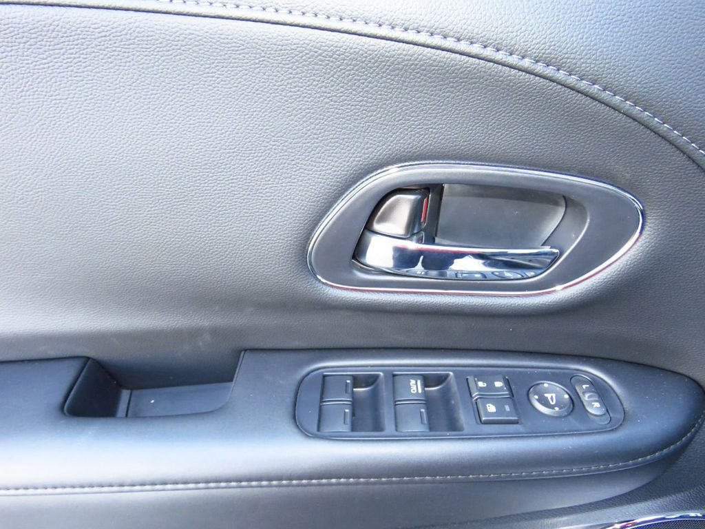 2019 Honda HR-V Touring AWD CVT - 18782665 - 23