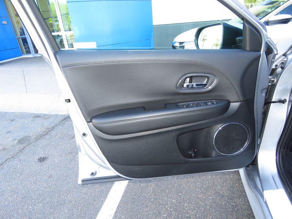 2019 Honda HR-V Touring AWD CVT - 18782665 - 24
