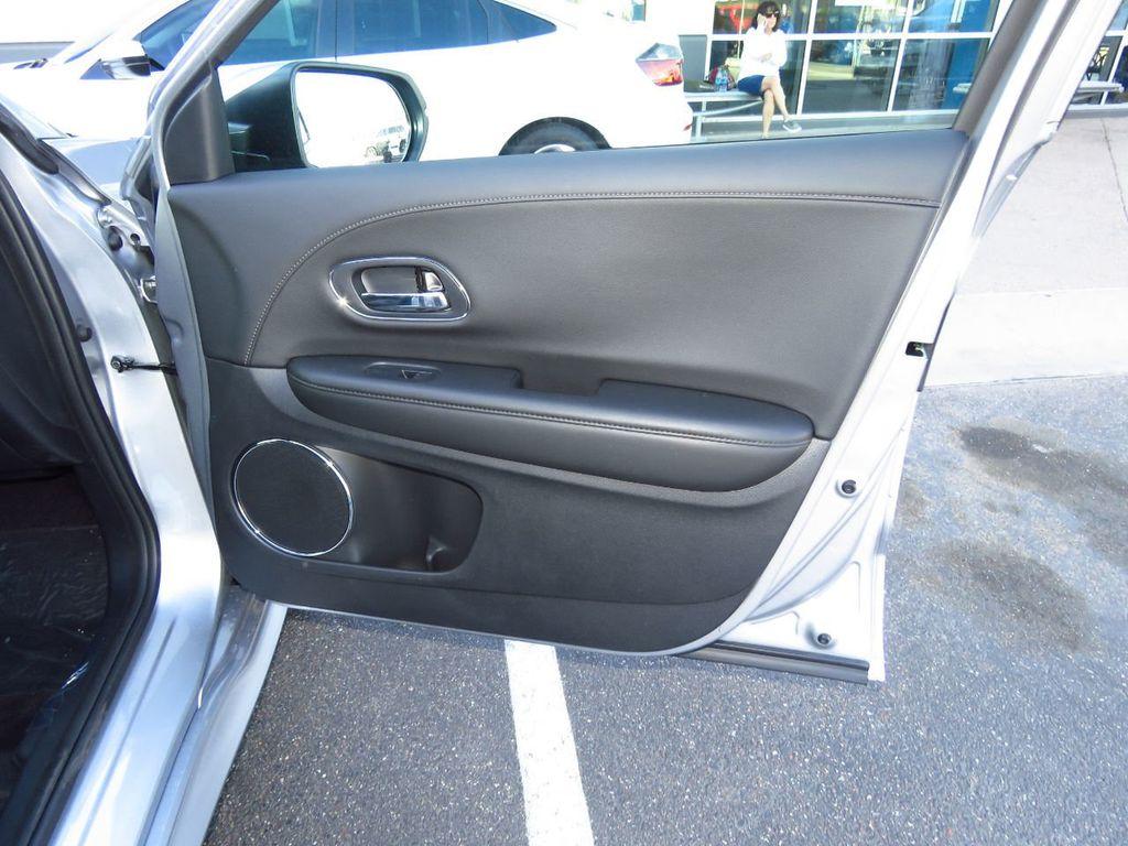2019 Honda HR-V Touring AWD CVT - 18782665 - 25