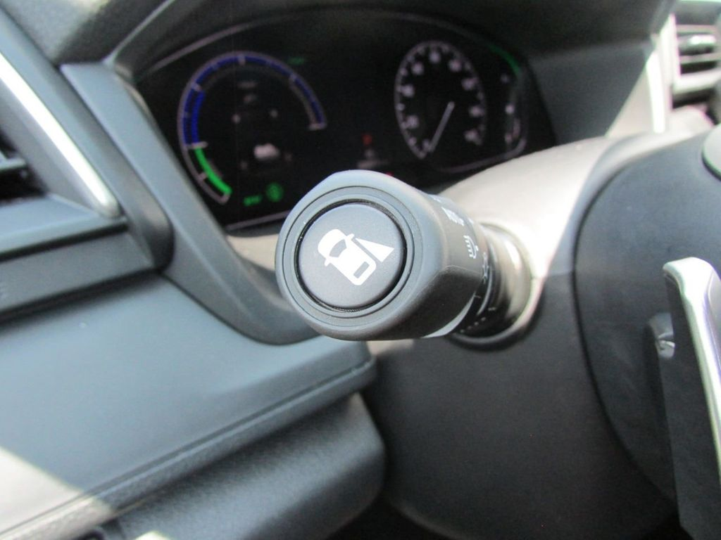 2019 Honda Insight Touring CVT - 18348817 - 16