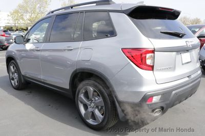 2019 Honda Passport Touring FWD SUV - Click to see full-size photo viewer